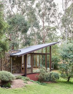The Design Files - 10 Unreal, Architectural Homes You Can Stay In! The Design Files, Mid Century House, Mid Century Modern Houses, House Goals, Modern House Design, Exterior Design, Wall Exterior, Modern Architecture, Future House