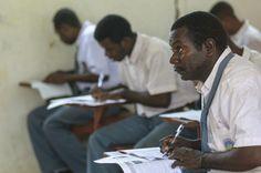Titus Masakoda. Usia: 25 tahun. Tetap semangat meneruskan pendidikan. Ayo semangat......!