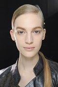 Autumn/Winter Hair Trends - Either slicked back at the crown or parted deep on one side, low, glossy ponytails as straight as arrows were the look of choice at Alexander Wang, Donna Karan, Jil Sander and Chloe. Cute Girls Hairstyles, Shag Hairstyles, Winter Hairstyles, 2014 Hairstyles, Trending Hairstyles, Hair Styles 2014, Curly Hair Styles, Tom Ford, Sleek Back Hair