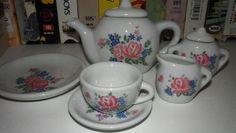 Mini tea set! Had this!