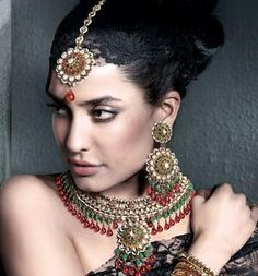Your number one source for Bollywood news & gossip, Bollywood movies, Bollywood fashion and TV news. Check out the hottest photos and videos of your favorite Bollywood and TV stars. Bollywood News, Bollywood Fashion, Lisa Haydon, Mughal Empire, Indian Outfits, Indian Jewelry, Indian Fashion, Divas, Desi