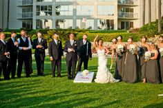 Entertain Your Wedding Guests with Custom Lawn Games