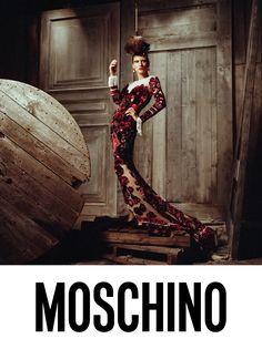 Moschino AW18 Campaign | Wonderland Magazine