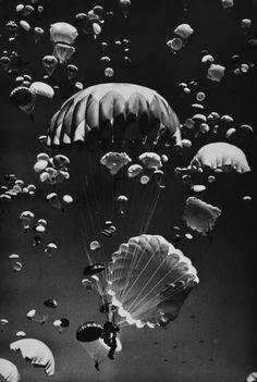#parachutes