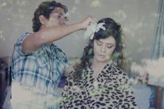 Custom made wedding dress and hair piece from A MODISTA Atelier |  Photos Lamourgraphy | This wedding featured in the cool brazilian blog Noiva de Botas:  http://www.anoivadebotas.com.br/cla-pre-casamento-matinal-na-fazenda/