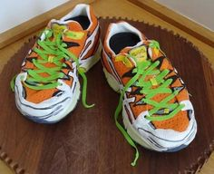 Running Shoe Cakes Tutorial by Fifi's Cakes