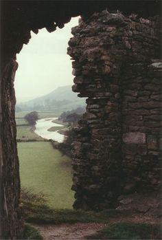 Pendragon castle Arch - Pendragon Castle - Wikipedia, the free encyclopedia