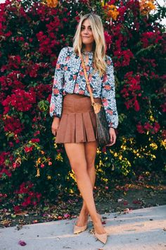 love this flirty fall look