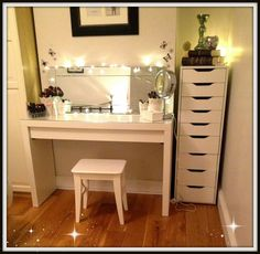 Fascinating-Design-For-Dressing-Table-With-Mirror-And-Lights.jpg 2,500×2,439 pixels
