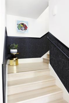 Wallpaper Staircase Trend - How To Update Stair Walls Narrow Staircase, White Staircase, Staircase Design, Stair Design, Staircase Ideas, Stairwell Wall, Stair Walls, Wallpaper Staircase, Deco Studio