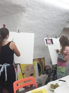 Pili Art - Exemple d'un de nos cours d'art pour adolescents Adolescents, Turntable, Blog, Art Lessons, Record Player