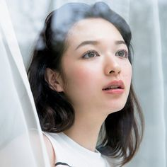 メークのトレンドはどんどんシンプルに! もちろんわかっているけれど、ついこってり盛り過ぎてはいませんか? J Makeup, Beauty Makeup, Makeup Looks, Hair Beauty, Japanese Eyes, Japanese Makeup, Japanese Beauty, Most Beautiful Faces, Beautiful Asian Girls