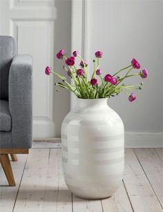 Post: Omaggio vase de Kähler – un clásico del diseño moderno --> accesorios hogar, cerámica danesa, cerámica de diseño, complementos hogar, decoración interiores, diseño danés, diseño nórdico, estilo nórdico, Omaggio Pearl, Omaggio vase Kähler