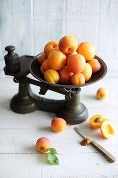 Apricots  (Veronika Studer)