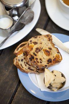 fruit toast w/ maple hazelnut butter