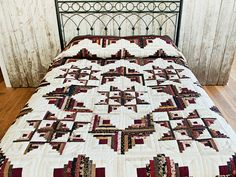 Log Cabin with Stars Quilt -- superb specially made Amish Quilts from Lancaster (hs7239)