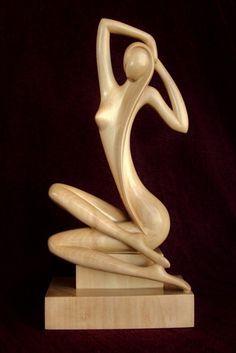 Sculpture femme nue en bois AURORA                                                                                                                                                      Plus