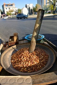 Walking around the streets of #Jordan you will defiantly come across a roasting peanuts cart, don't hesitate to try it, nothing beats the taste of warm peanuts in the mouth! Stay with http://www.gweet.com/ in #JabalAmman or #Downtown where two of the most famous carts reside.