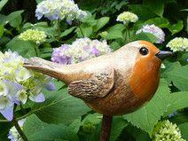 """Gartenkeramik Steckvogel """"ROTKEHLCHEN"""" Clay Birds, Ceramic Birds, Ceramic Animals, Clay Animals, Bird Sculpture, Garden Ornaments, Bird Art, Clay Art, Fabric Flowers"""