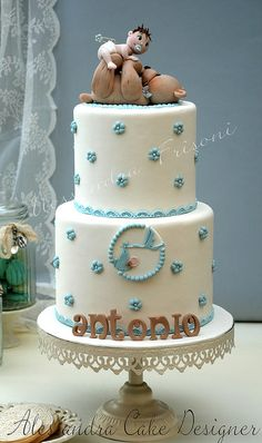 Baby Shower #Cake Adorable! So cute! We love the Teddy bear and baby!
