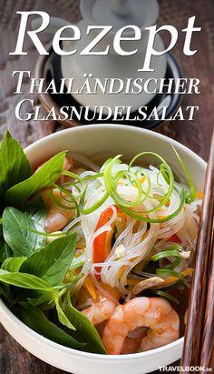 Thailändischer Glasnudelsalat mit Garnelen oder mit Hackfleisch – ein leckeres Rezept zum Nachkochen: http://www.travelbook.de/food/einfach-selbstgemacht-rezept-fuer-thailaendischen-glasnudelsalat-919864.html
