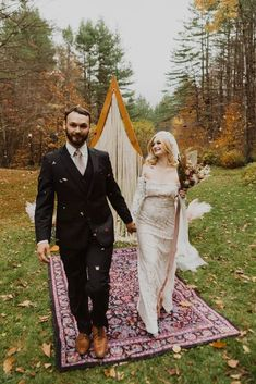Woodsy Boho Cabin Wedding Inspiration in New Hampshire – Haus of Gravity – Compass Collective 33