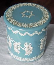 Vintage Wedgewood Style Round Metal Tin Made In Holland