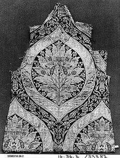 Fragment  Date:     16th century Geography:     Turkey Culture:     Islamic Medium:     Silk