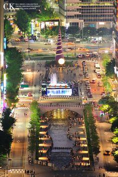 Cheonggyecheon stream in Seoul (source)