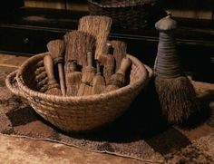 Early rye basket and whisk broom collection Primitive Homes, Primitive Kitchen, Primitive Antiques, Country Primitive, Country Sampler, Primitive Crafts, Whisk Broom, Prim Decor, Wood