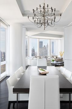 Living Pursuit — Breathtaking Apartment in New York | Source