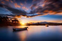 Tranquil boat by Iván Maigua on 500px