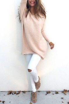 Apricot Casual Loose Long Sleeves V-neck Sweater Rosa Pullover Outfit, Pink Sweater Outfit, Streetwear, Best Casual Outfits, Winter Stil, Fashion Outfits, Womens Fashion, Fashion Trends, Latest Fashion