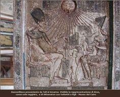 Amenhotep (Akenaton), il faraone monoteista Amenhotep IV (Akhenaton), all'inizio del suo regno decise di dare una svolta alla religione e cominciò ad adorare un nuovo dio, Aton, che egli riteneva essere l'unico vero Dio e unico creatore dell'u #aton #egitto #akhenaton #amenhotep