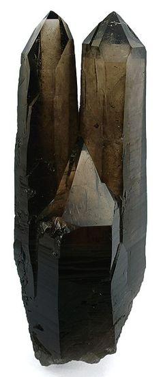 Elongated double smoky quartz. Source: Diamantina, Jequitinhonha valley, Minas Gerais, Southeast Region, Brazil.