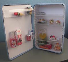 MarEven nukkekoti /jääkaapin teko (voisi toteuttaa ovellesin kaapin puisesta sikarilaatikosta??)