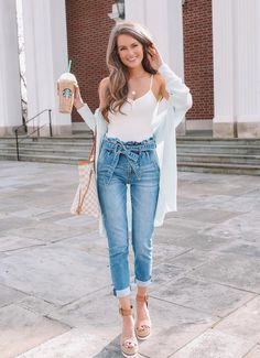 casual and cute summer outfits ideas to inspire - Cute Crop Tops Every Girl Should Own in 2019 - Summer outfits Top Outfits Ideas For Women's Cute And Stylish Cute Summer Outfits, Spring Outfits, Cute Outfits, Southern Curls And Pearls, Looks Jeans, Denim Trends, Business Casual Outfits, Office Outfits, Skinny
