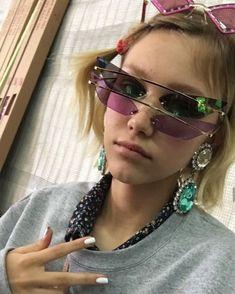 Grace Vanderwaal, Amazing Pics, Love Her, Sunglasses, People, Strawberries, Nutella, Babe, Smile
