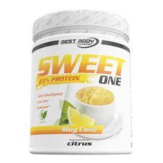 """Lust auf Kuchen, doch das Gewissen schreit """"Nein!""""? Best Body Nutrition hat die bessere Alternative zu herkömmlichen Kuchen! Mit dem SWEET ONE Protein Mug Cake lässt sich in kurzer Zeit ein leckerer, proteinreicher und zuckerarmer Tassenkuchen herstellen. Egal ob als Snack, zum Kaffee (oder Tee) oder als schnelles Frühstück, der SWEET ONE Protein Mug Cake überzeugt mit seinem frischen Citrus-Geschmack auf ganzer Linie."""