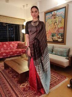 Indian Dress Up, Indian Attire, Indian Wear, Indian Outfits, Saree Blouse Neck Designs, Saree Blouse Patterns, Trendy Sarees, Stylish Sarees, Indian Beauty Saree