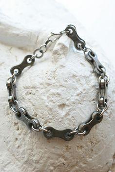 Ketju-rannekoru - Astubutiikkiin.fi Bike Craft, Bracelets, Silver, Gifts, Gift Ideas, Jewelry, Diy, Fashion, Moda