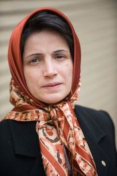 Iran: Nasrin Sotoudeh starts sit-in protest against the Iranian Bar Association three-year ban on her legal practice | Front Line