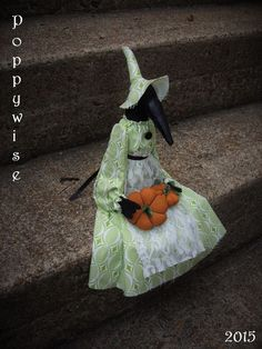 OOAK Primitive HALLOWEEN Folk Art * Witchy Crow Doll Shelf Sitter with Pumpkins #NaivePrimitive