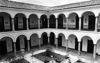 BLAA 50 años · Una biblioteca que crece con su público Single Wide