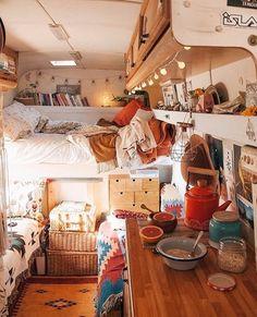 7 Hippie Bohemian ideas for a dreamy van life - Daily Dream Decor life hacks life aesthetic life budget life interior life vehicles Bus Living, Tiny House Living, Living Room, Kombi Home, Van Home, Bus House, Bus Life, Remodeled Campers, Tiny House Design