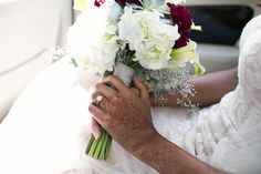 Such a beautiful henna design for her wedding day | Anika London Photography