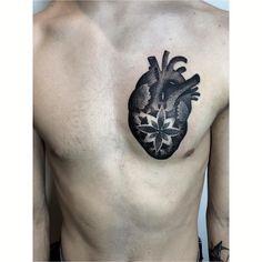 """Aleksandra  Kozub on Instagram: """"à propos serca, taka ciekawostka, ponoć posiadaczem największego serca na świecie jest płetwal błękitny - waży około 700 kilogramów. 😮…"""" Skull, Tattoos, Instagram, Tatuajes, Tattoo, Cuff Tattoo, Skulls, Flesh Tattoo"""