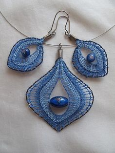 Peacock Jewelry, Lace Jewelry, Jewelery, Lace Earrings, Crochet Earrings, Crochet Bra, Types Of Lace, Bobbin Lace Patterns, Lacemaking