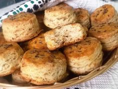 Hellena ...din bucataria mea...: Pogaci cu jumari Baked Potato, Potatoes, Baking, Ethnic Recipes, Food, Potato, Bakken, Essen, Meals