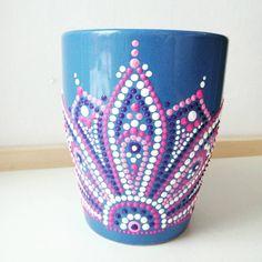 Dot Art Painting, Mandala Painting, Pottery Painting, Painting Patterns, Ceramic Painting, Hand Painted Dishes, Hand Painted Pottery, Mandela Rock Painting, Painted Coffee Mugs
